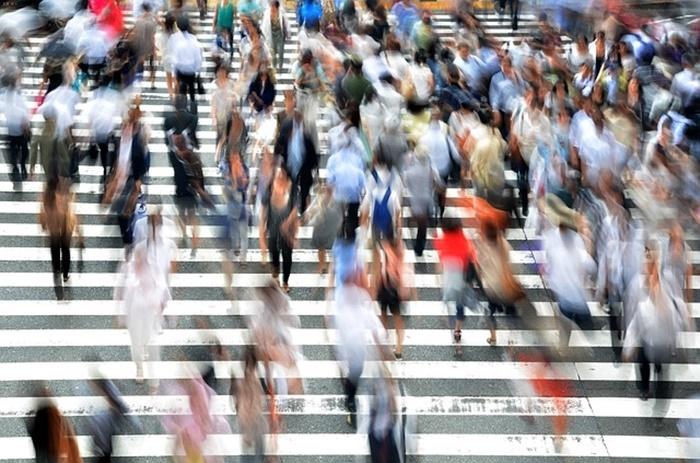 06 pedestrians-400811_640